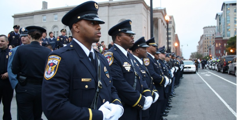 policias negros