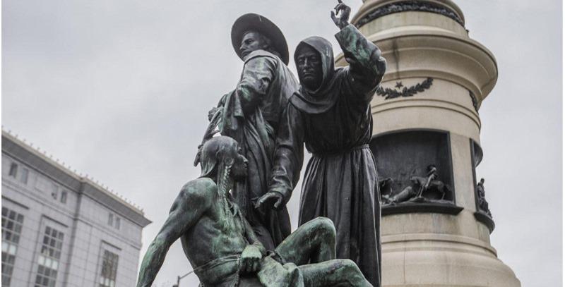 estatua primeros dias