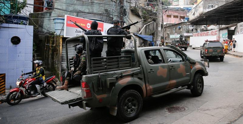 policia-en-favelas