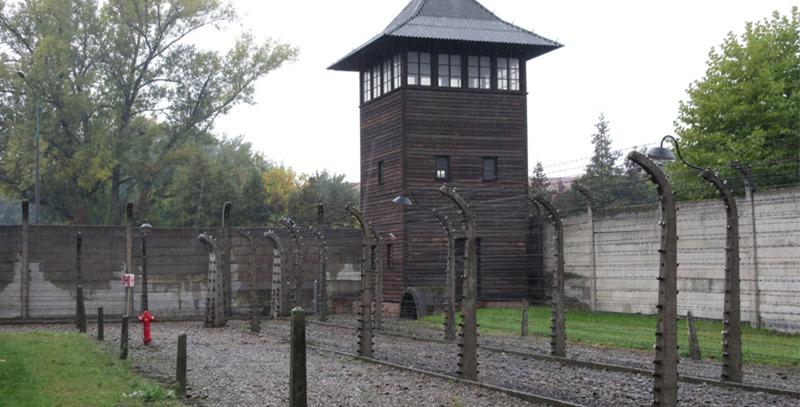 torre-de-vigilancia-auschwitz