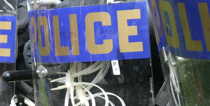 escudos-antidisturbios-policia