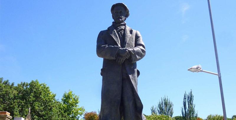 estatua-madrid-pio-baroja