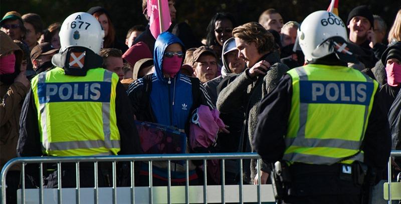 policias-suecos-en-manifestacion