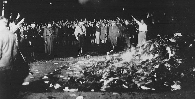 quema-de-libros-en-la-alemania-nazi