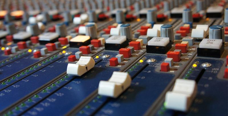 mesa-de-mezclas-analogica