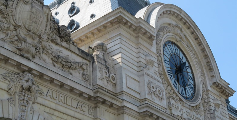 reloj-edificio-publico-paris
