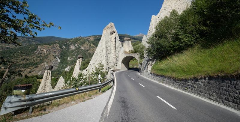 carretera-en-suiza