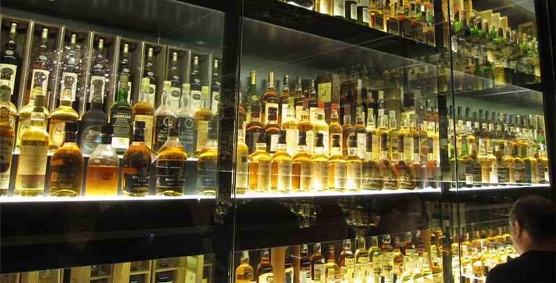 cava-de-botellas-de-whisky
