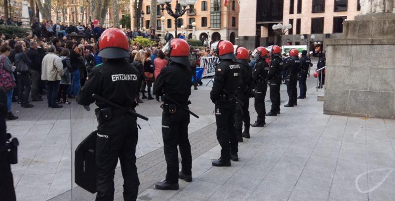 beltzas protestas palacio de justicia bilbao